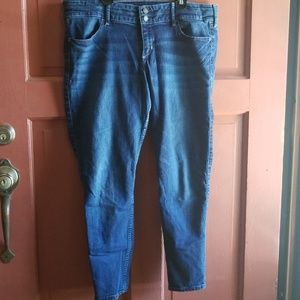 Holister crop jeans